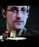 Snowden advarer mot Google og Facebook