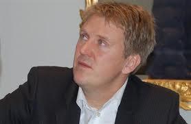 Finansanalytiker John Olaissen i Sunndal Collier sa på en konferanse i regi av Rystad Energy at oljeprisen skal opp( Foto: Stocklink)