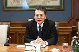Konsernsjef Ken Kobayashi i Mitsubishi Corporation samarbeider med Gazprom om å utvinne olje på øya Sakhallin( Foto: Gazprom)