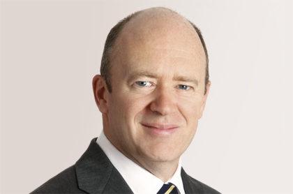 Konsernsjef John Cryan i Deutsche Bank er i ferd med å slanke Tysklands mektigste bank ved å selge eierandeler( Foto: Deutsche Bank)