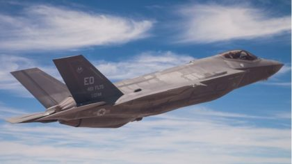 Jagerflyet F-35 fotografert på Edards Air Force Base i California( Foto: Nils Petter Tanderø)