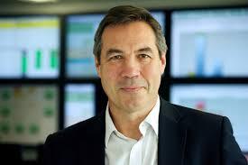 CEO Mark Hemsley ledere BAT Europe, som kjøper rettighetene til svensk snus(Foto: Reuters)