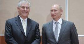 Utenriksminister Rex Tillerson og president Vladimir Putin, dengang var Tillerson konsernsjef i ExxonMobile. Bildet er hentet fra den russiske nettsiden Sputniknews.com. Fredag er Tillerson utenrksminister i USA