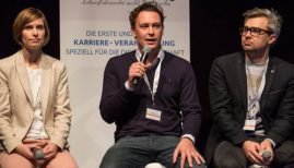 Managing Director Finn Åge Hänsel in Movinga(in the middle) is comparing prices in global cities(Photo: Movinga)