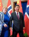 Statsminister Erna Solberg har investert betydelige milliarder i skatteparadis gjennom oljefondet( Foto: Fmprc.goc.cn)