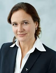 Direktør Hilde Tonne i Telenor inngår avtale med franske Alcatel-Laurent(Foto:Telenor)
