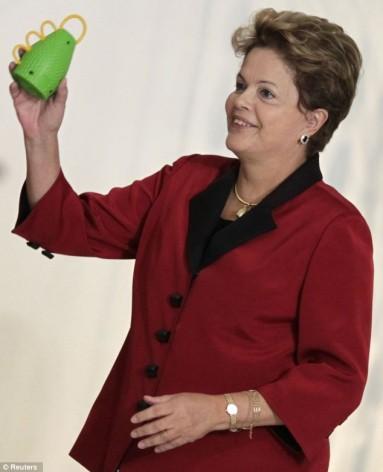 President Dilma Rouseff i Brasil har markert sitt land under VM i forball og deltar i ny utviklingsbank(Foto:Wikipedia)