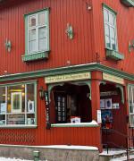 Avistegnernes hus i Drøbak er et fristed for tegnere som er forfulgt pga ytringer. (Foto: avistegnerneshus.no)