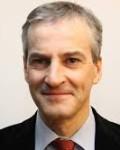 Jonas Gahr Støre  kritiserer  regjeringen for passivitet  når det gjelder arbeidsløshet( Foto: Arbeiderpaartiet)