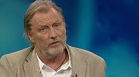 """Tidligere utenriksreporter Jon Magnus har skrevet boka """"Sommerfuglene i Armero""""( Foto: NrK)"""