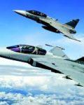 Sverige vil satse milliarder på forsvaret de kommende årene.  På bildet ser vi det nye svenske jagerflyet Gripen  E i luften( Foto: Johan Nilsson TT)